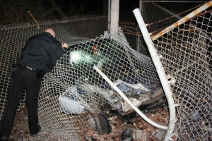 Car Crashes into Air Products Fence, Marian Avenue, Rush Township, 1-18-2014 (13)