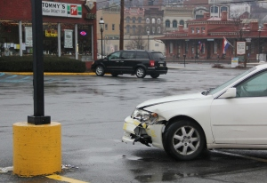 Car Into Light Post, In Front of Tommy's Hoagie Shop, Tamaqua, 1-14-2014 (2)