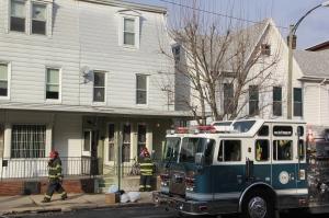 Smoke Response, 309 West Broad Street, Tamaqua, 1-13-2014 (17)