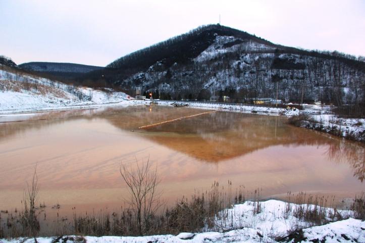 View of Mine Drainage, Tamaqua, 1-28-2014 (25)