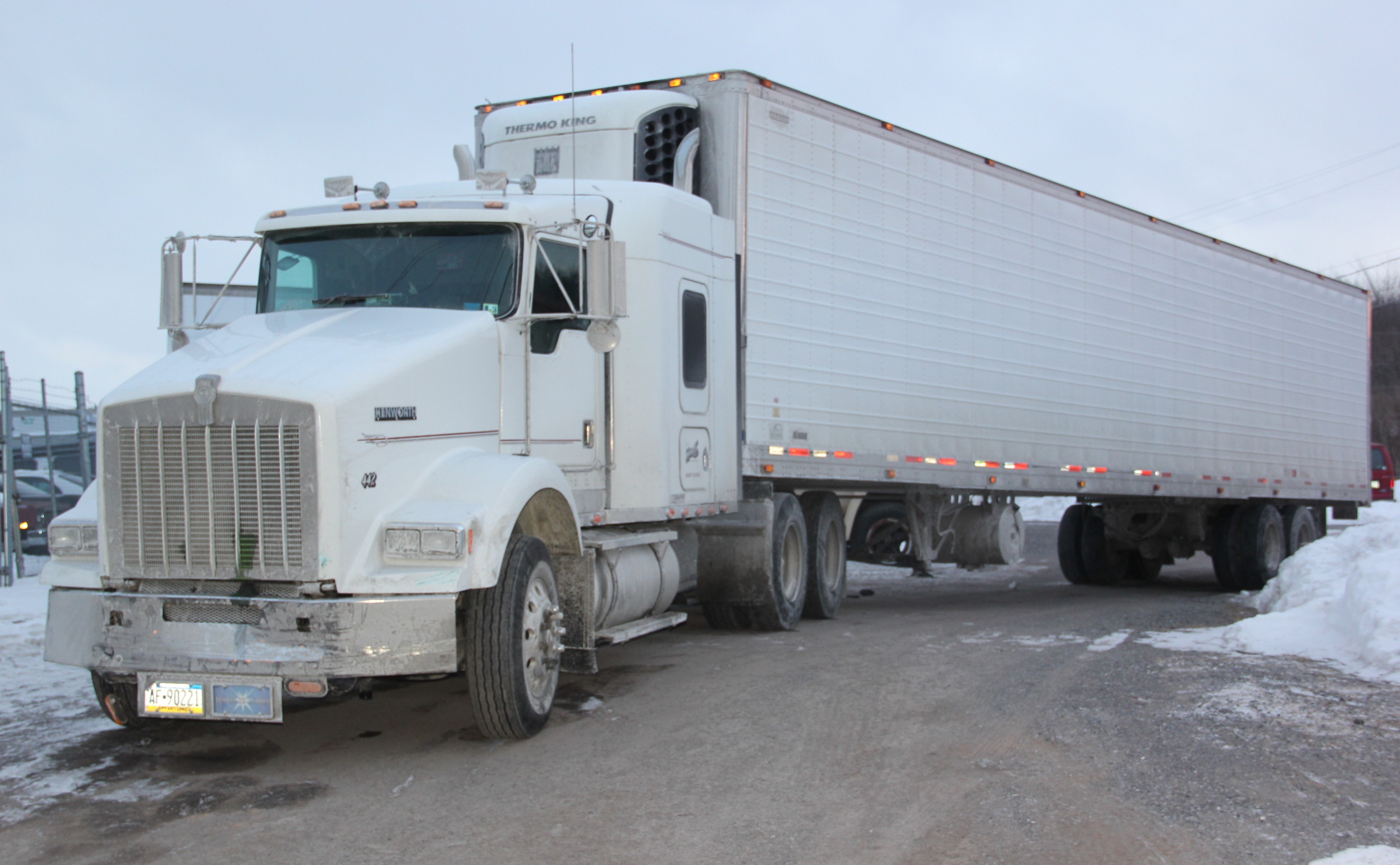 Truck With Christmas Lights 51003 further 16695 Car hauler trailer furthermore Back In Ussr moreover Watch also Semi Luxury And Luxury Coaches. on semi trailor