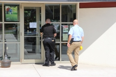 Police Outside Mauch Chunk Trust, MCT, Following Armed Robbery, Hometown, 8-26-2014 (13)