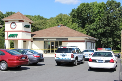 Police Outside Mauch Chunk Trust, MCT, Following Armed Robbery, Hometown, 8-26-2014 (28)