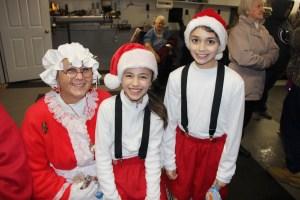 Santa Parade, Party, Volunteers, Frank Fabrizio, Green Street, Tamaqua, 12-6-2014 (4)