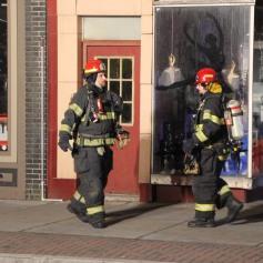 Smoke Scare, 12, 14 West Broad Street, Tamaqua, 12-5-2014 (57)