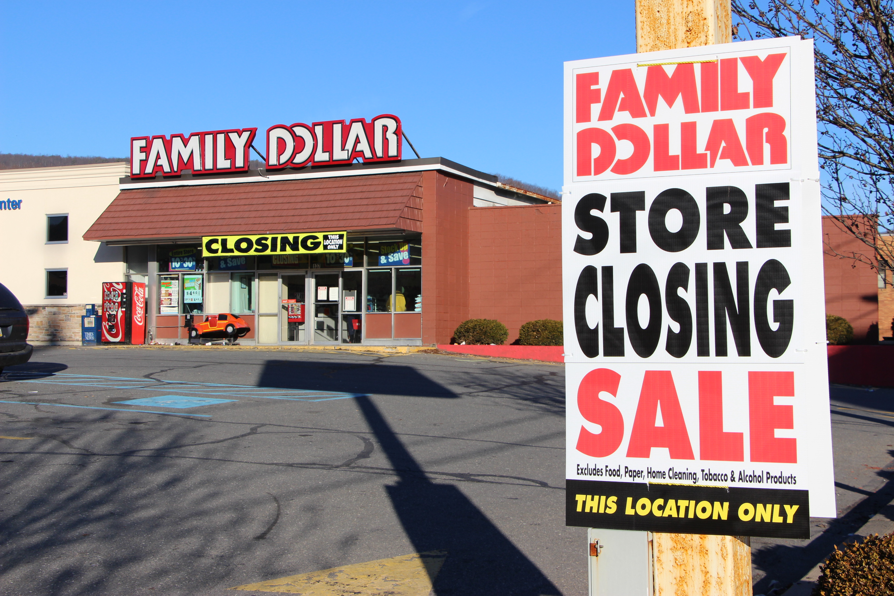 FAMILY DOLLAR IN TAMAQUA OPEN UNTIL JAN  25