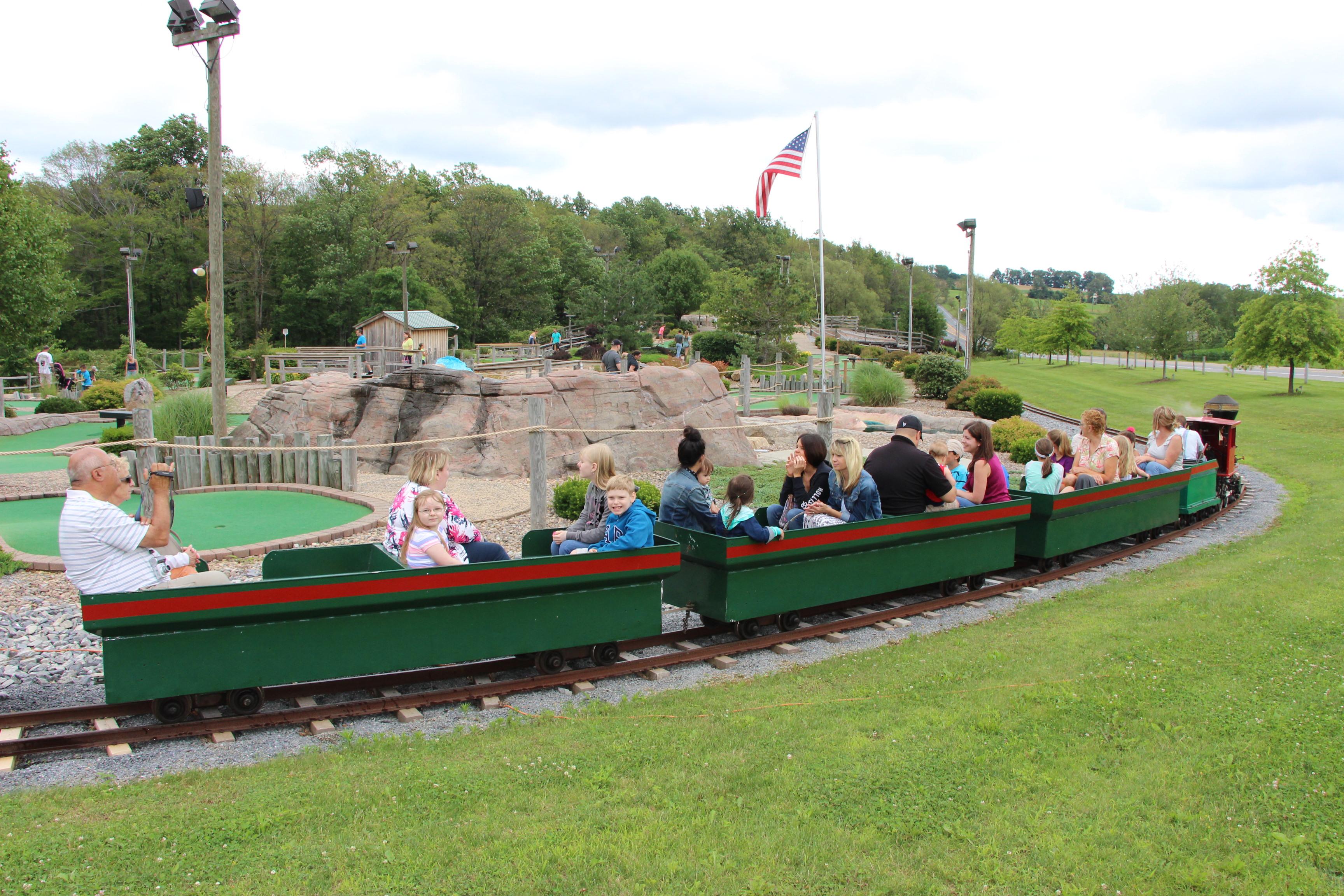 Bear Rock Junction Car Show