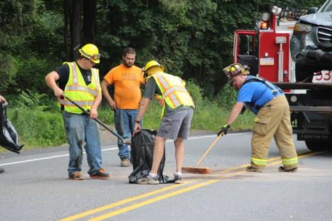 4 People Injured, MVA, Clamtown Road, SR443, West Penn, 8-12-2015 (13)