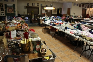 ACS Rummage Sale, East End Fire Company, Tamaqua, 8-1-2015 (2)