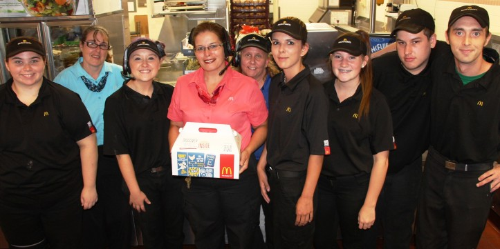 Donating Burgers, Tamaqua Burger Hill, Hometown McDonalds, 8-6-2015 (13)