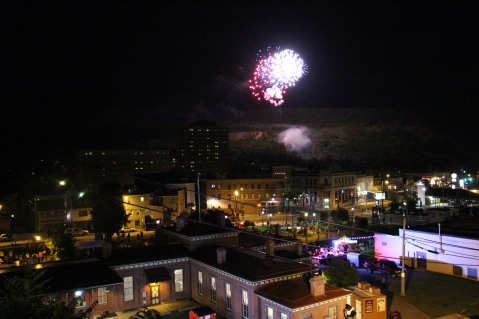 Fireworks for Dear Tamaqua, Tamaqua, 8-4-2015 (200)