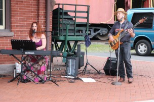 Fraser Thomas performs Acoustic Jazz, Blues & Pop during Chamber Summer Concert (28)