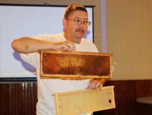 Join The Bee Keeper, Information Session, Tamaqua Community Arts Center, Tamaqua, 8-15-2015 (30) - Copy