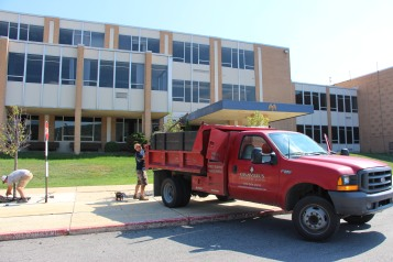 Lanscapers Replacing Trees in Front of Tamaqua High School, Tamaqua, 8-14-2015 (18)