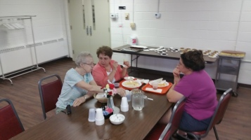 Lasagna Dinner Fundraiser, Trinity United Church of Christ, Tamaqua, 8-23-2015 (21)