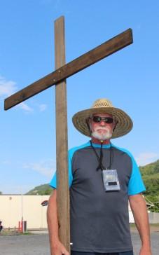 Man and a Cross, Tamaqua, 8-9-2015 (3)