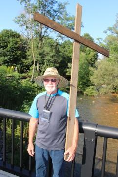 Man and a Cross, Tamaqua, 8-9-2015 (5)