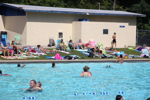 Splash Day, H.D. Buehler Memorial Bungalow Pool, Park, Tamaqua, 7-25-2015 (11)