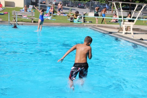 Splash Day, H.D. Buehler Memorial Bungalow Pool, Park, Tamaqua, 7-25-2015 (349)