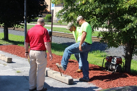 Tamaqua Borough Crews Setting Up, Dear Tamaqua, Depot Square Park, Tamaqua, 8-3-2015 (2)