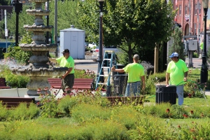 Tamaqua Borough Crews Setting Up, Dear Tamaqua, Depot Square Park, Tamaqua, 8-3-2015 (9)