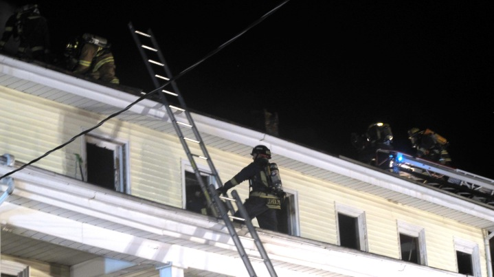 Apartment Building Fire, 210 Washington Street, Tamaqua, 9-9-2015 (74)