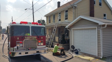 House Fire, Smoke, West Water Street, Lansford, 9-1-2015 (17)