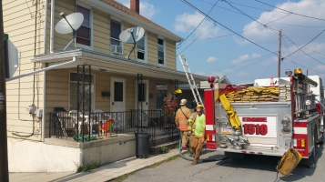 House Fire, Smoke, West Water Street, Lansford, 9-1-2015 (2)