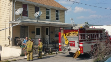 House Fire, Smoke, West Water Street, Lansford, 9-1-2015 (23)