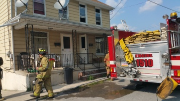 House Fire, Smoke, West Water Street, Lansford, 9-1-2015 (38)
