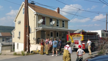 House Fire, Smoke, West Water Street, Lansford, 9-1-2015 (92)