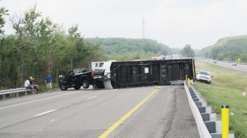 Overturned Camper, Pickup, Mile Marker 134, Delano exit, Southbound, Interstate 81, 9-4-2015 (4)