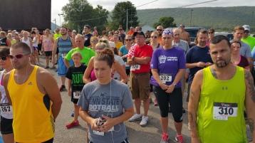 Run For The Ice Cream Charity Challenge 5K, Heisler's, 9-5-2015 (101)