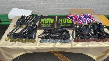 Run For The Ice Cream Charity Challenge 5K, Heisler's, 9-5-2015 (9)