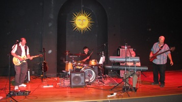 Bee's Knees Back to the 60's Rock Show, Tamaqua Community Arts Center, Tamaqua, 9-19-2015 (30)