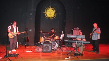 Bee's Knees Back to the 60's Rock Show, Tamaqua Community Arts Center, Tamaqua, 9-19-2015 (31)