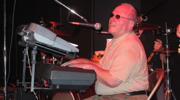 Bee's Knees Back to the 60's Rock Show, Tamaqua Community Arts Center, Tamaqua, 9-19-2015 (33)