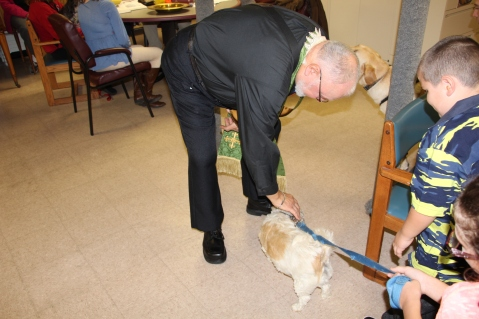 Blessing of the Animals, Calvary Episcopal Church, Tamaqua, 10-4-2015 (13)