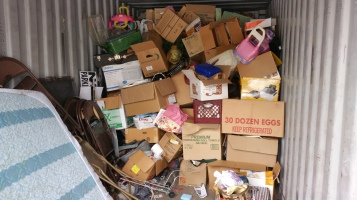 Cleaning Out Tamaqua Giveaway Containers, M & M Self Storage, Tamaqua, 9-22-2015 (3)