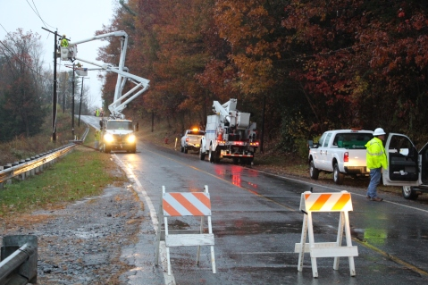 Downed Power Lines, PPL Repairs, Power Outage, Valley Street, Brockton, 10-28-2015 (1)