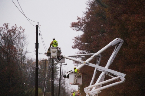 Downed Power Lines, PPL Repairs, Power Outage, Valley Street, Brockton, 10-28-2015 (12)