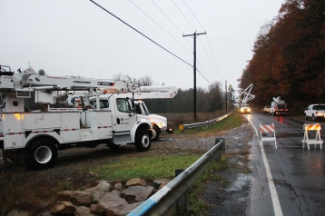 Downed Power Lines, PPL Repairs, Power Outage, Valley Street, Brockton, 10-28-2015 (14)