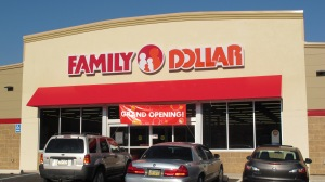 Family Dollar Opens, Tamaqua, 9-17-2015 (2)