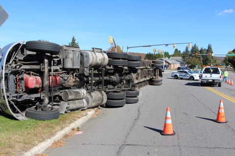 Overturned Tractor Trailer, SR54, Hometown, 10-19-2015 (1)