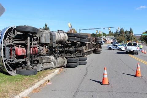 Overturned Tractor Trailer, SR54, Hometown, 10-19-2015 (1)