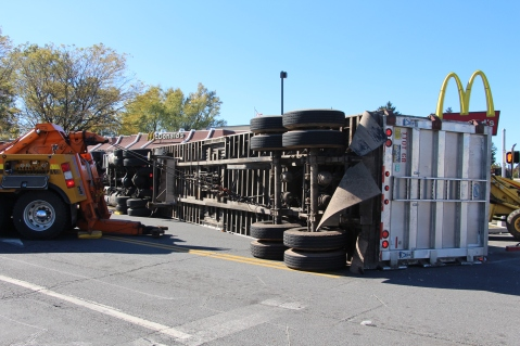 Overturned Tractor Trailer, SR54, Hometown, 10-19-2015 (103)