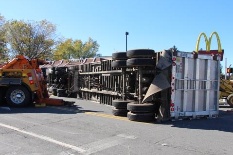 Overturned Tractor Trailer, SR54, Hometown, 10-19-2015 (103)