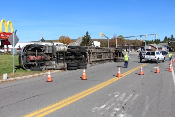 Overturned Tractor Trailer, SR54, Hometown, 10-19-2015 (11)