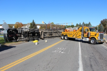 Overturned Tractor Trailer, SR54, Hometown, 10-19-2015 (110)