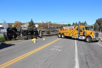 Overturned Tractor Trailer, SR54, Hometown, 10-19-2015 (110)